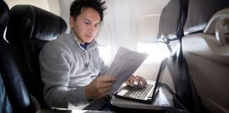 Uçakta Telefon veya Laptop Şarj Etme